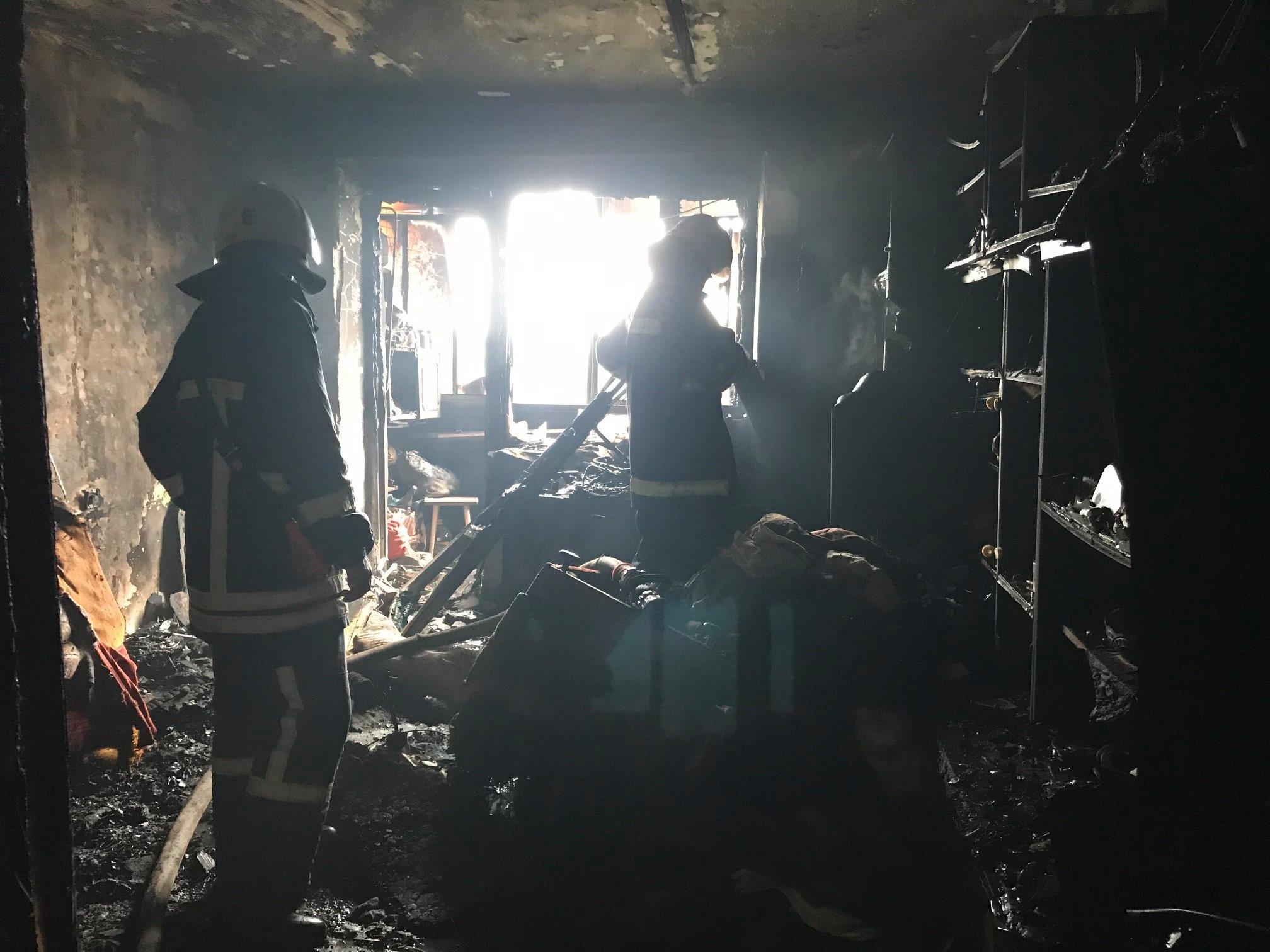 У Калуші на пожежі врятували чоловіка 1