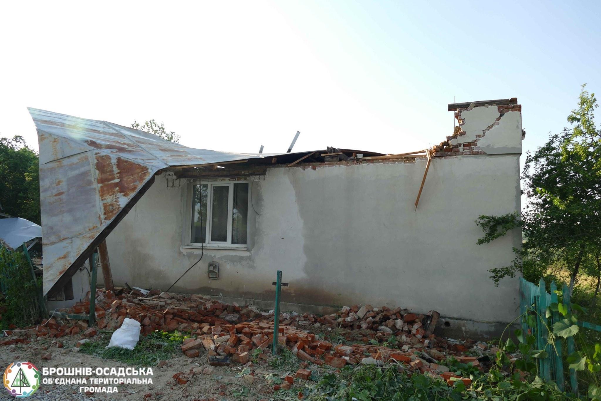 Через стихію родина у Брошнів-Осадській ОТГ залишилася без даху над головою 2