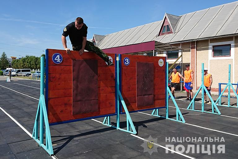 У Франківську відбулися змагання з багатоборства серед поліцейських 4