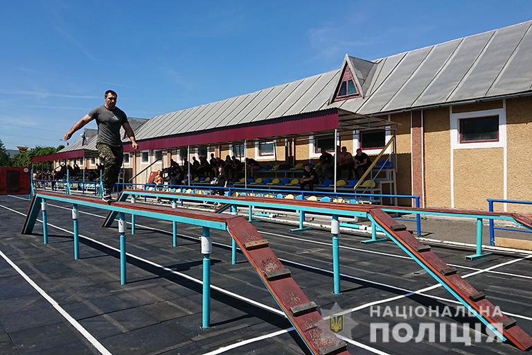 У Франківську відбулися змагання з багатоборства серед поліцейських 8