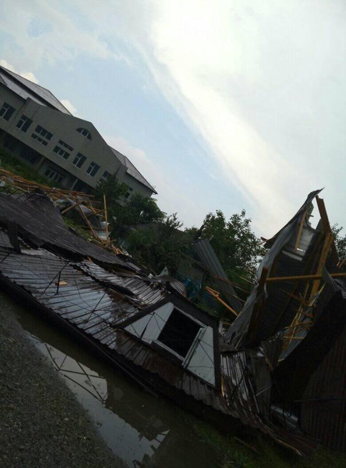 Через буревій Богородчани без води і світла: влада просить мешканців допомогти з ліквідацією наслідків 2