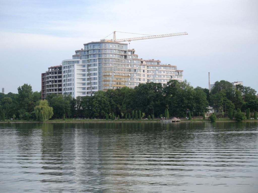 Вибіркова битва: як у Франківську забудовували міське озеро 12