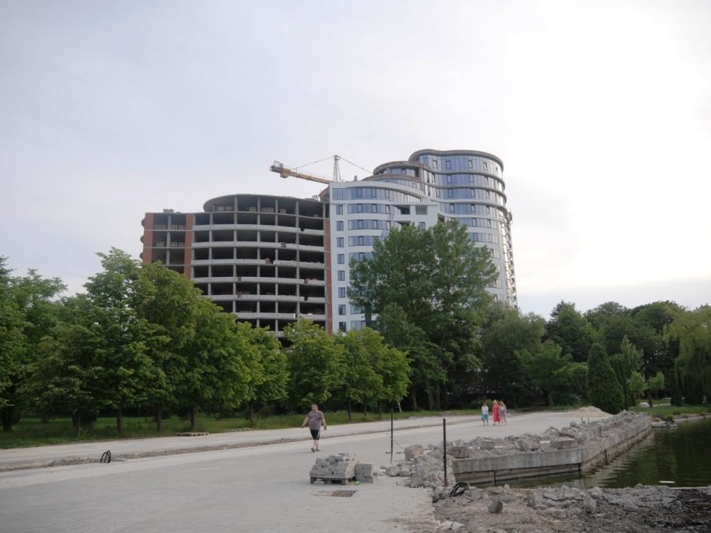 Вибіркова битва: як у Франківську забудовували міське озеро 11