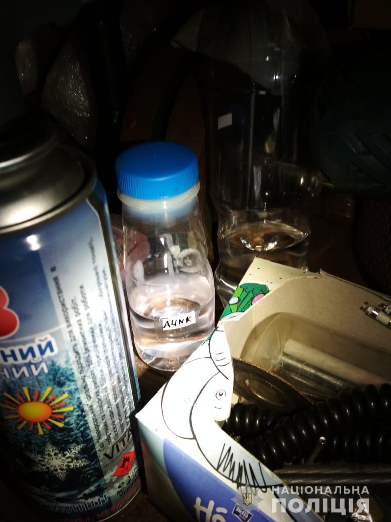 На Рожнятівщині поліція накрила нарколабораторію 2