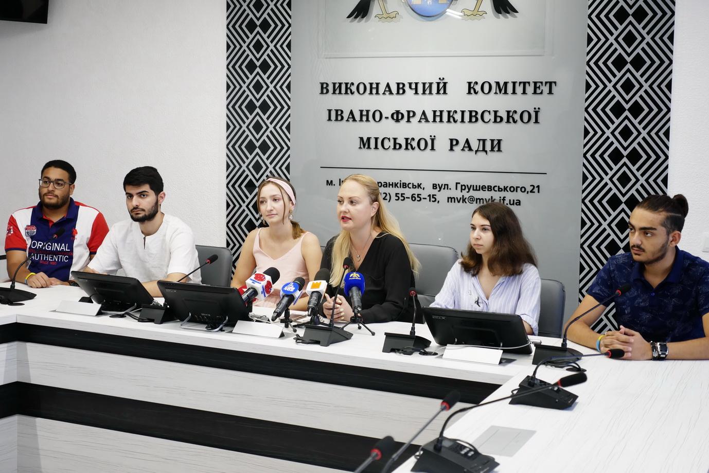 На фестивалі культур Global Village у Франківську презентують 9 країн 6