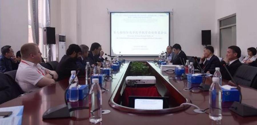 Прикарпатець виступив на медичному форумі в Китаї 12