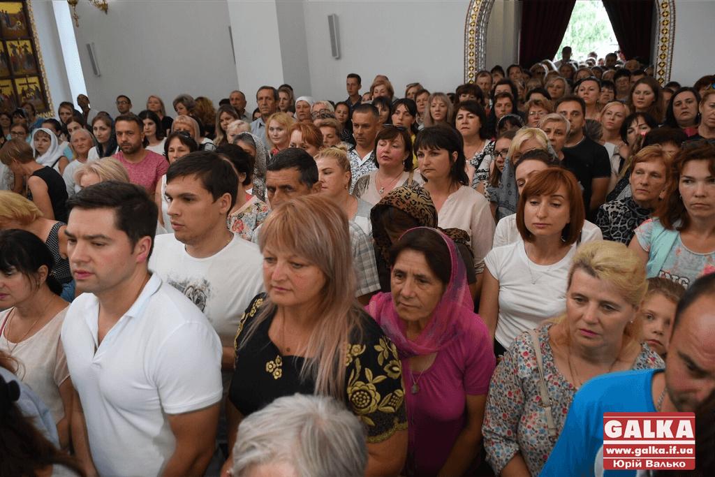 Сотні франківців прийшли прикластися до мощей апостола Тадея 5