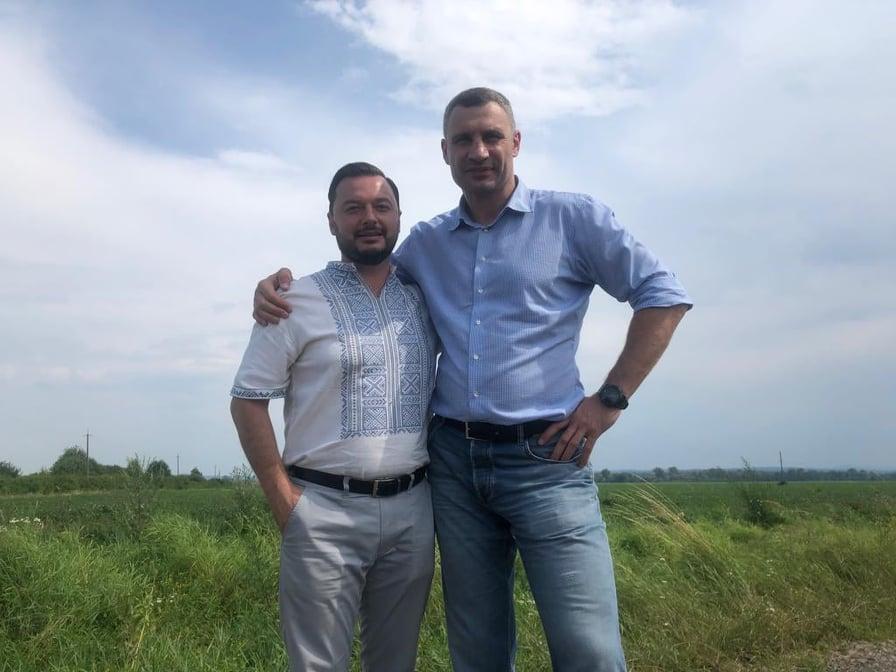Брати Клички закликали підтримати найефективнішого депутата Прикарпаття 2