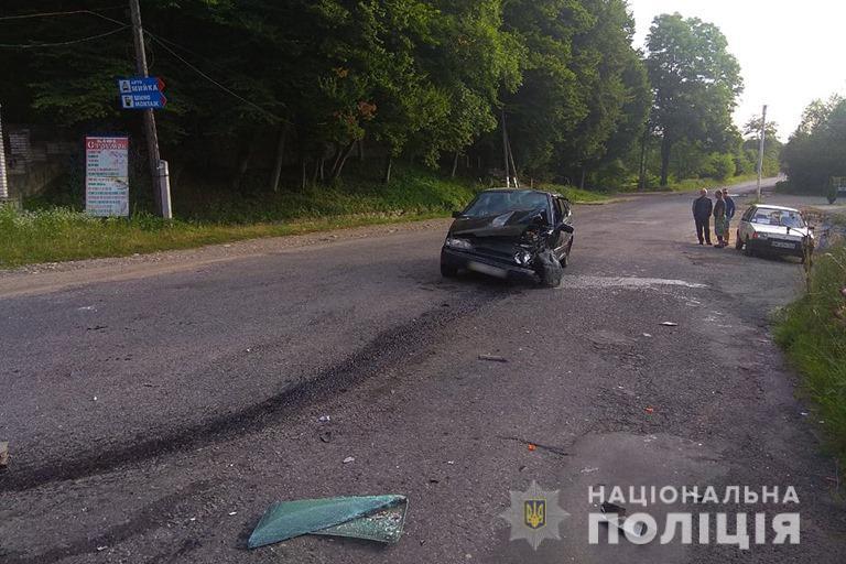 За добу під колесами автівок на Прикарпатті загинуло двоє людей 12