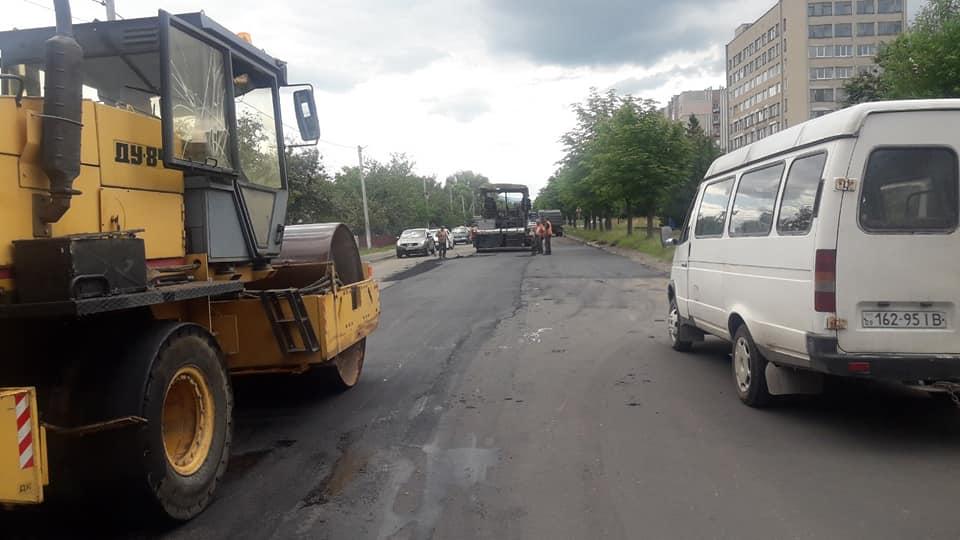 На Прикарпатті триває ремонт дороги Долина – Хуст 1