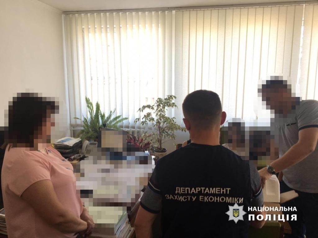 Керівницю Головного управління статистики в Івано-Франківській області затримали з хабарем 2