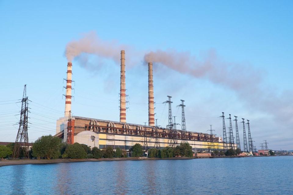 На Бурштинській ТЕС відключили енергоблок №9 через свищ у газоході котла