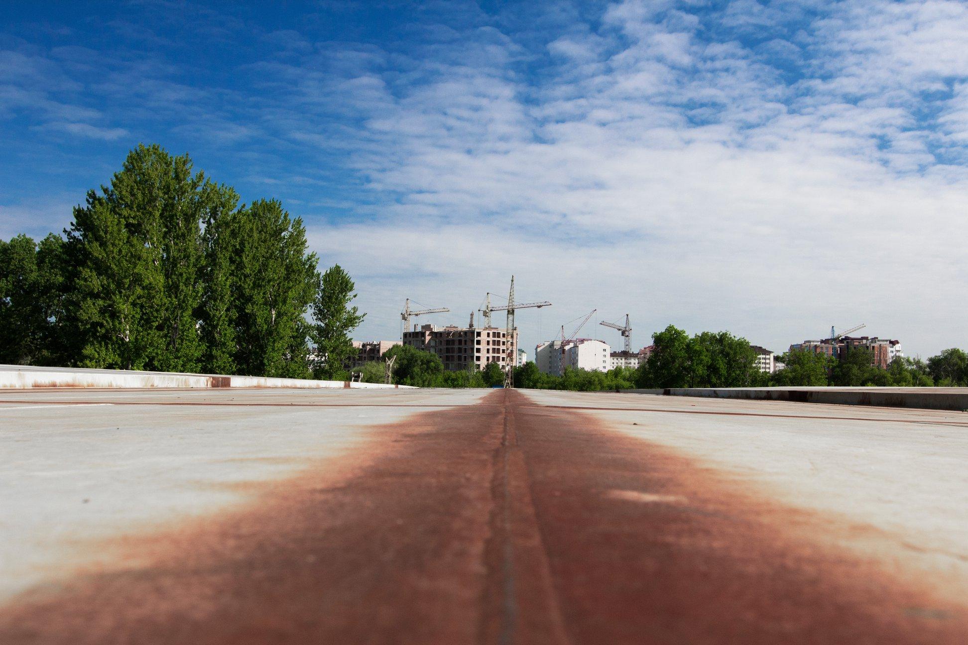 Залишилось 87 метрів: у Франківську триває будівництво моста на Пасічну 4