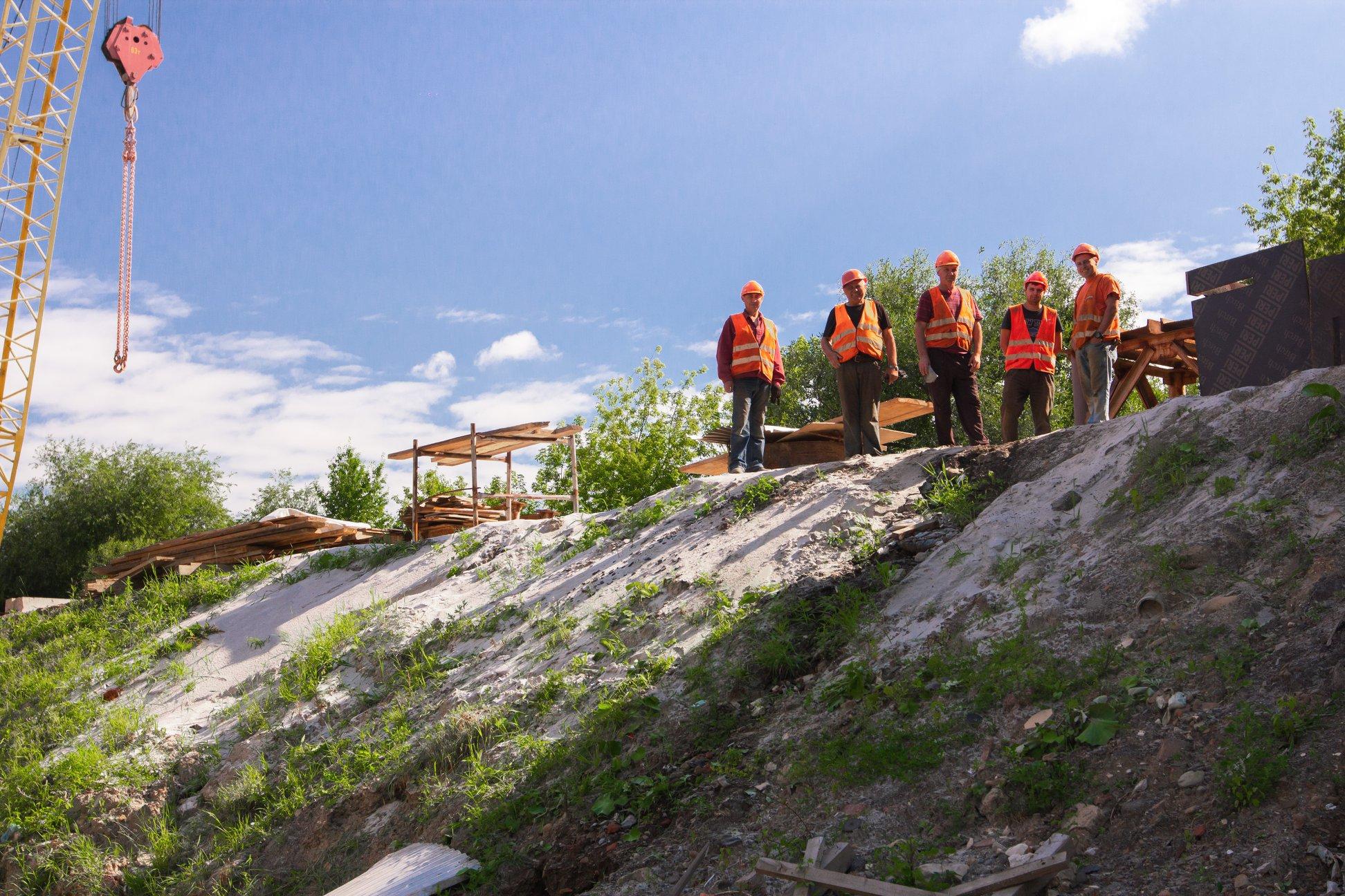 Залишилось 87 метрів: у Франківську триває будівництво моста на Пасічну 6