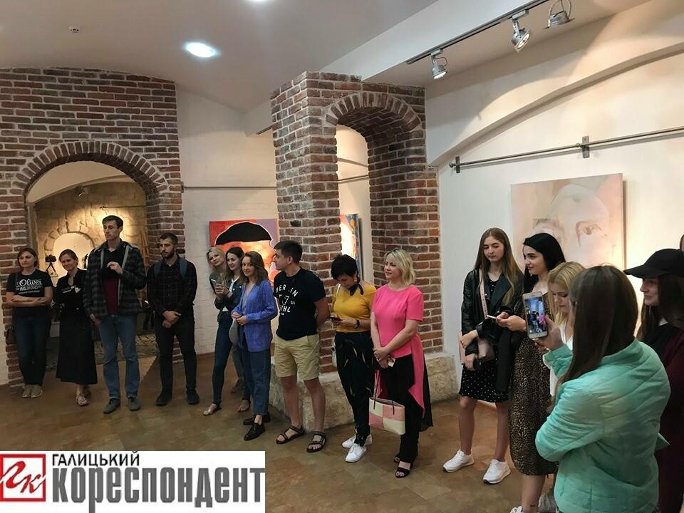У Франківську Зорян Суш відкрив першу персональну виставку 12