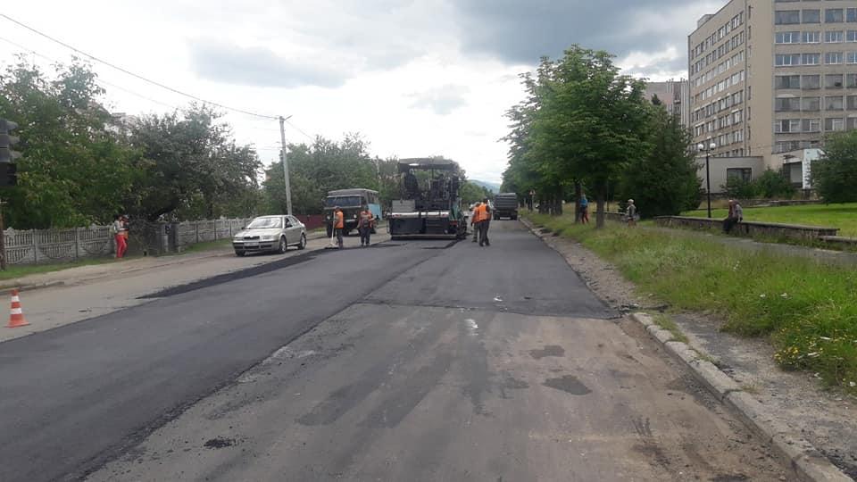 На Прикарпатті триває ремонт дороги Долина – Хуст 3