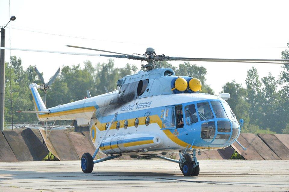 Прикарпатські рятувальники відпрацьовують посадку гелікоптера на Піп Іван 2