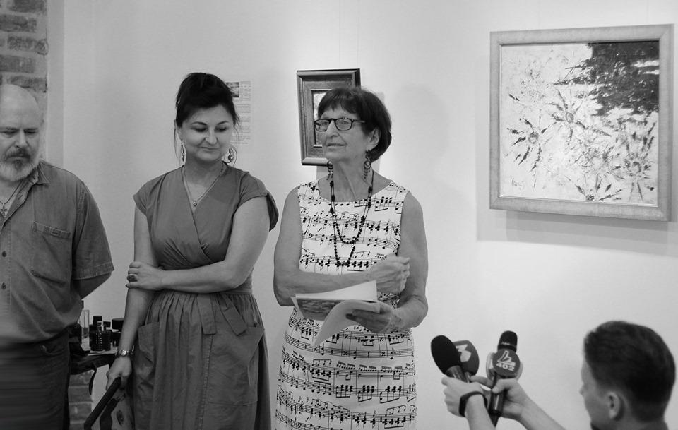 Живопис, музика і аромати: у Бастіоні відкрили особливу виставку абстракцій 8