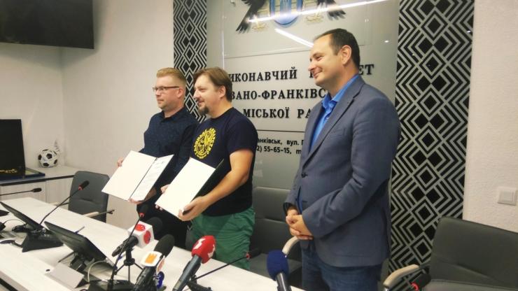 """Палац Потоцьких підписав меморандум про співпрацю з ГО """"Спільно продакшн"""" (відеосюжет)"""
