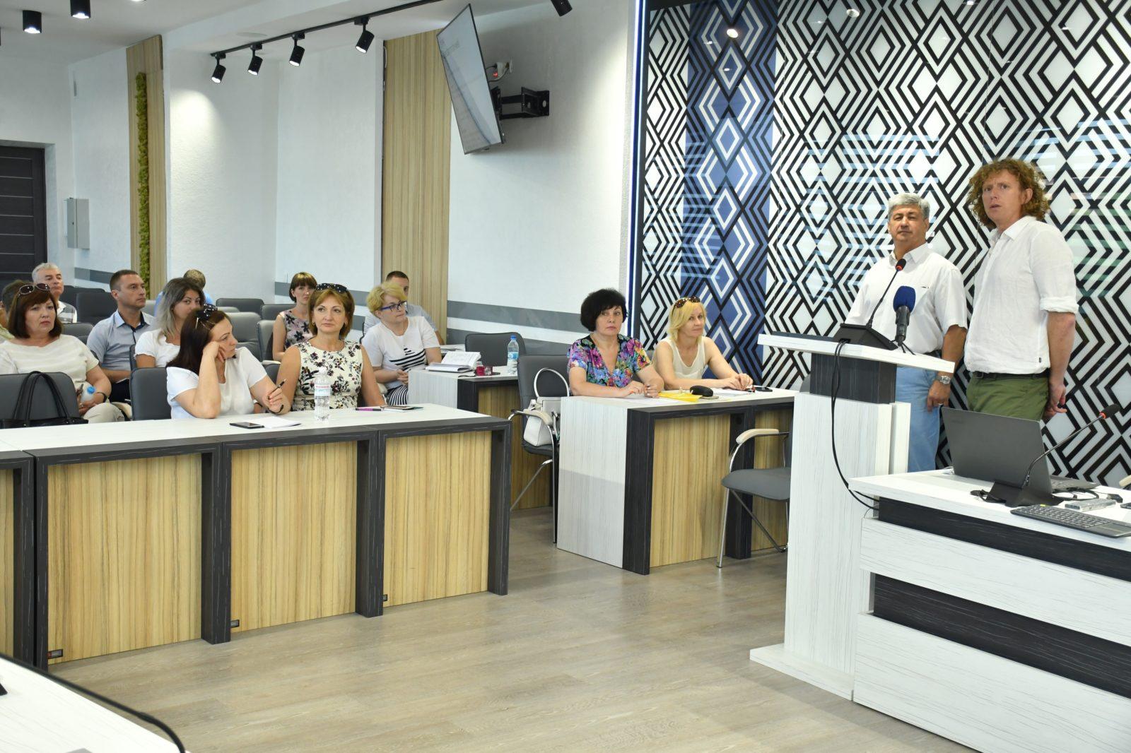 """Smart City: у Франківську навчають міста бути """"розумнішими"""" 8"""