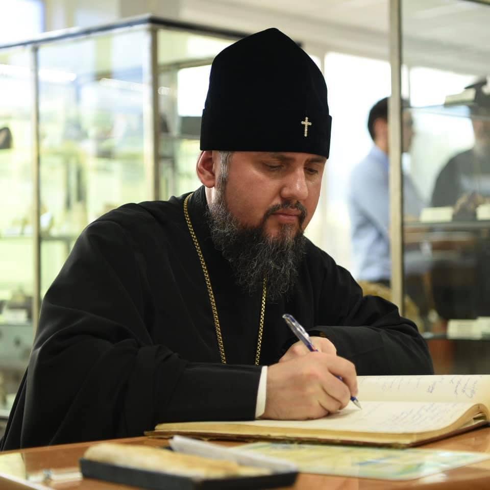 Митрополит Епіфаній відвідав університет нафти і газу у Франківську 1