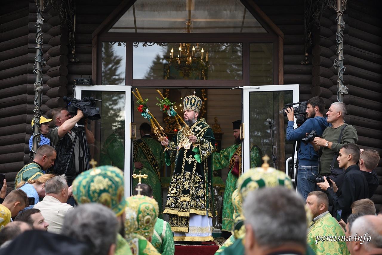 Митрополит Епіфаній відслужив святкове богослужіння в Манявському монастирі 8