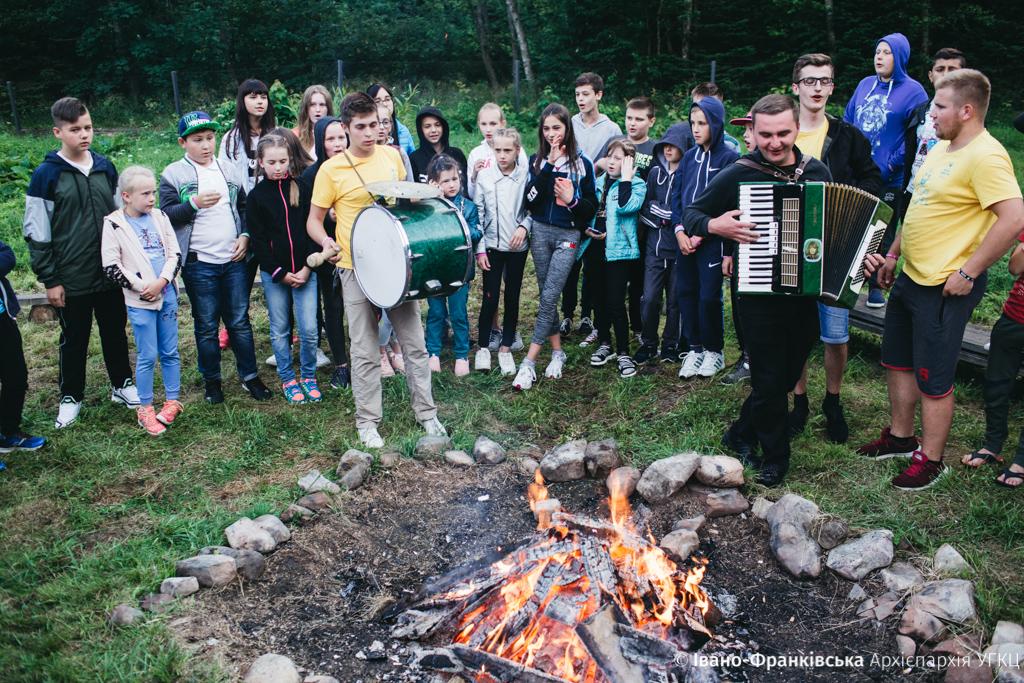 """Майже 500 дітей з Прикарпаття відпочили в """"Кедрових палатах"""" 14"""
