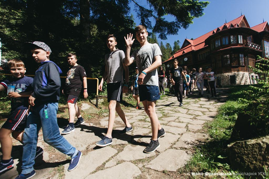 """Майже 500 дітей з Прикарпаття відпочили в """"Кедрових палатах"""" 8"""