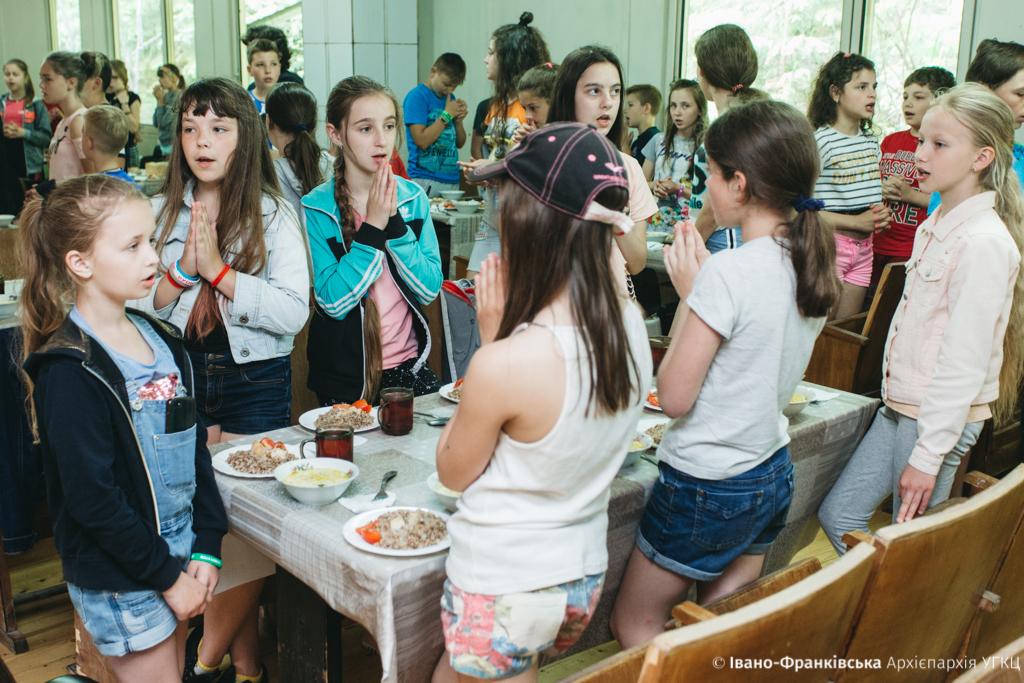 """Майже 500 дітей з Прикарпаття відпочили в """"Кедрових палатах"""" 18"""