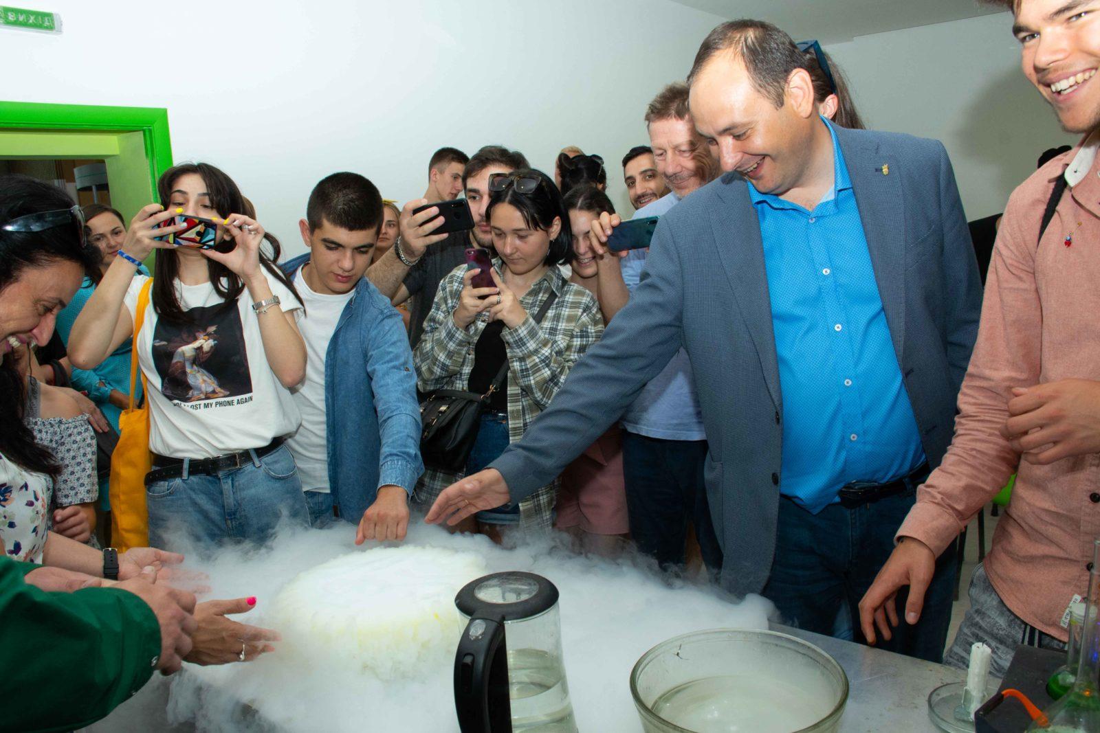 """У Франківську на місці колишньої """"Молочної кухні"""" відкрили Центр освітніх інновацій 12"""