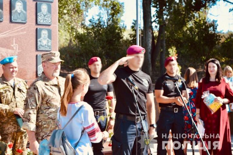 Чотирьох прикарпатських бійців відзначили на сході України 4