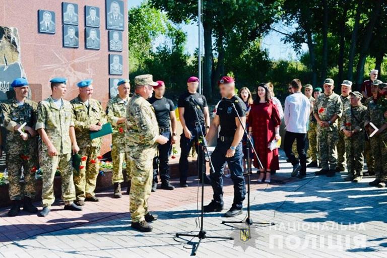Чотирьох прикарпатських бійців відзначили на сході України 6