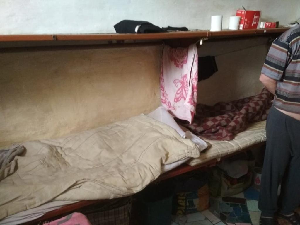 Без нічного туалету та питної води: як живуть ув'язнені у Коломийській виправній колонії 1