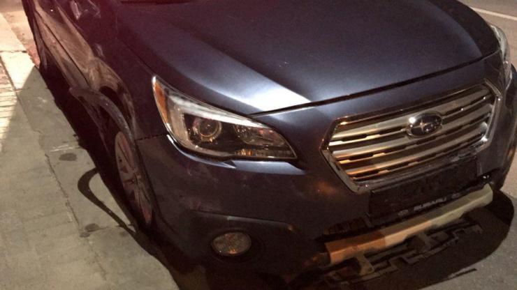 У Франківську п'яний на Subaru зніс стовпчики 3