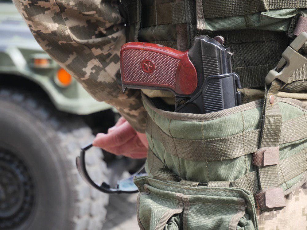 У Франківську на Вічевий майдан пригнали «Хамві» з кулеметом – запрошують на контрактну службу 4