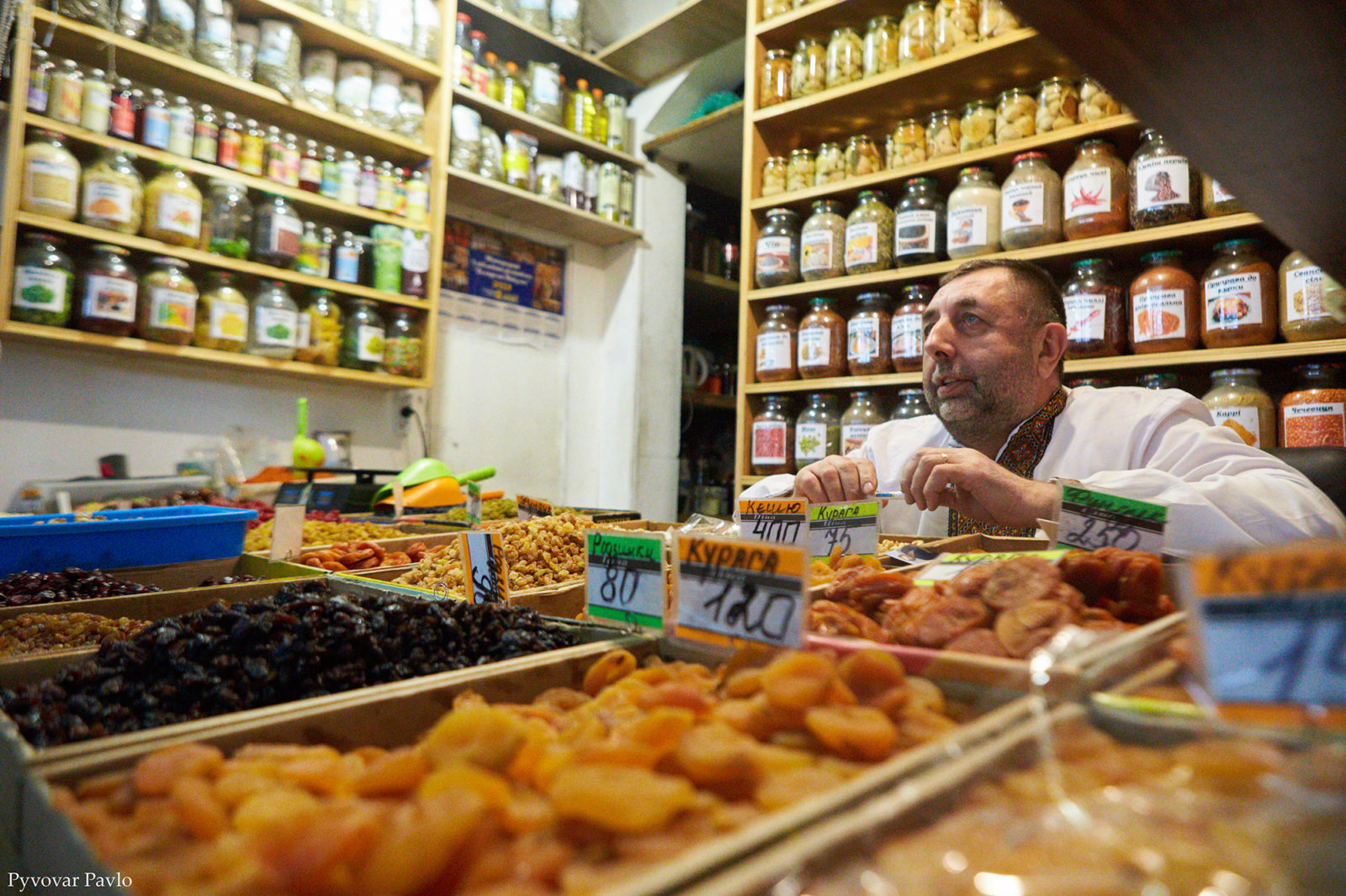 Продавці центрального ринку Франківська поскаржились меру на умови праці 8