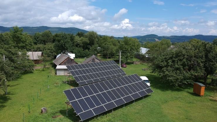 Сонячну електростанцію для дому потужністю 30 кВт встановлено в селі Баня-Березів 6