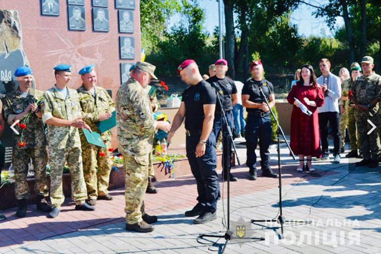 Чотирьох прикарпатських бійців відзначили на сході України 2