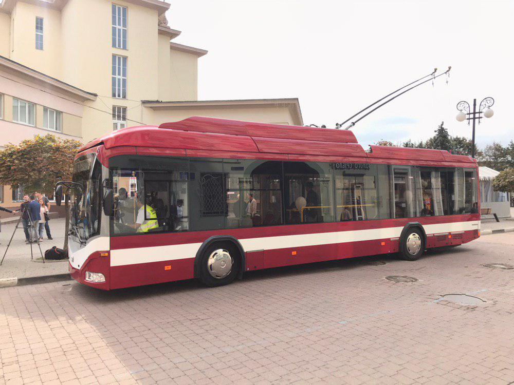 Франківцям показали білоруський тролейбус – таких у місті буде 29 8
