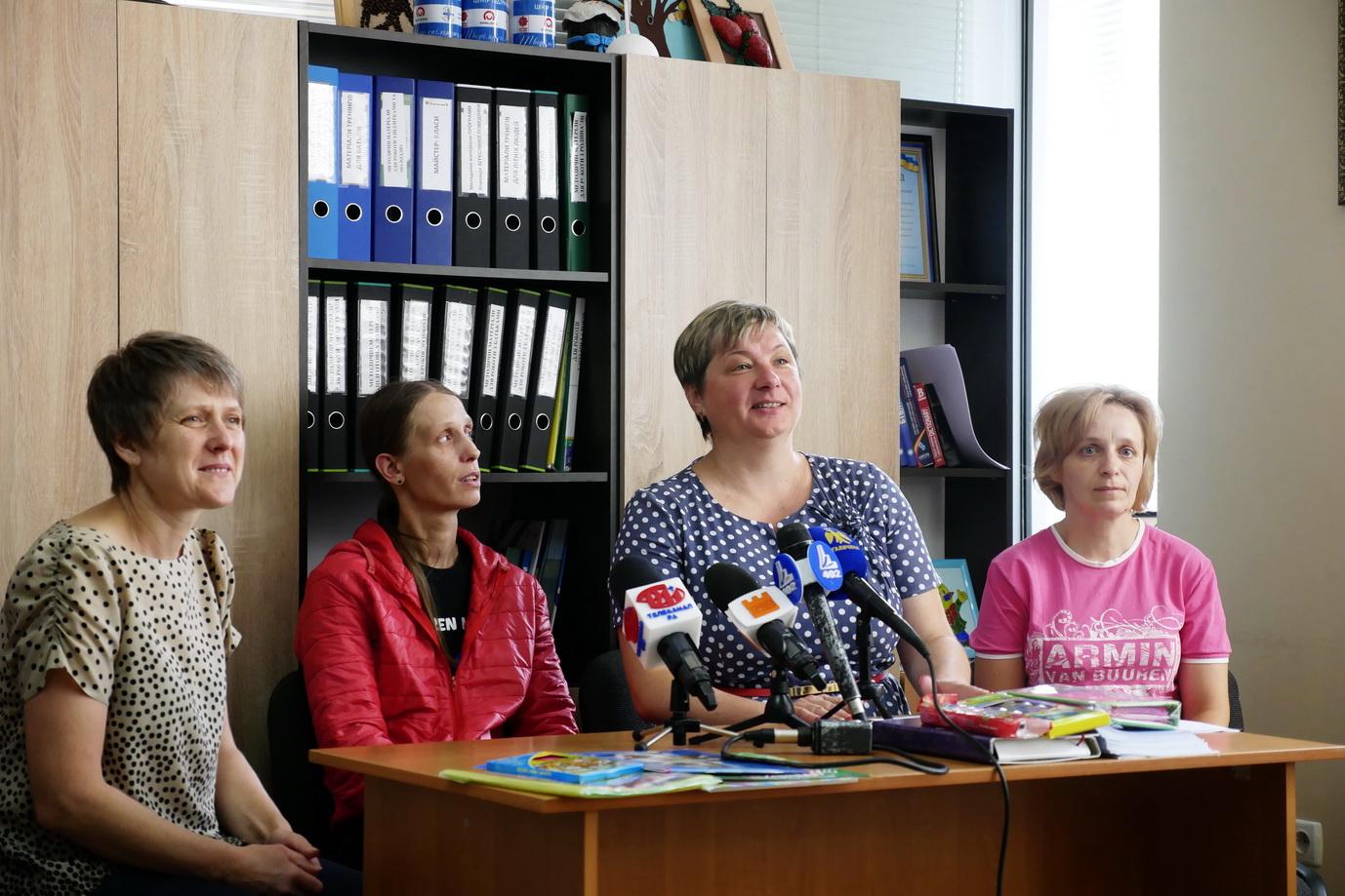 """У Франківську """"Карітас"""" збирає кошти на портфелики для дітей з малозабезпечених сімей 6"""