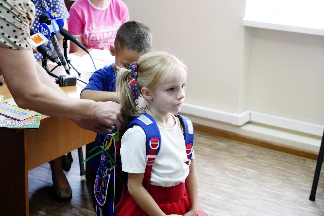 """У Франківську """"Карітас"""" збирає кошти на портфелики для дітей з малозабезпечених сімей 14"""