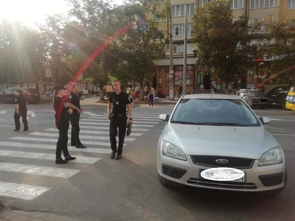 Поліція шукає свідків зухвалого пограбування у Франківську 4