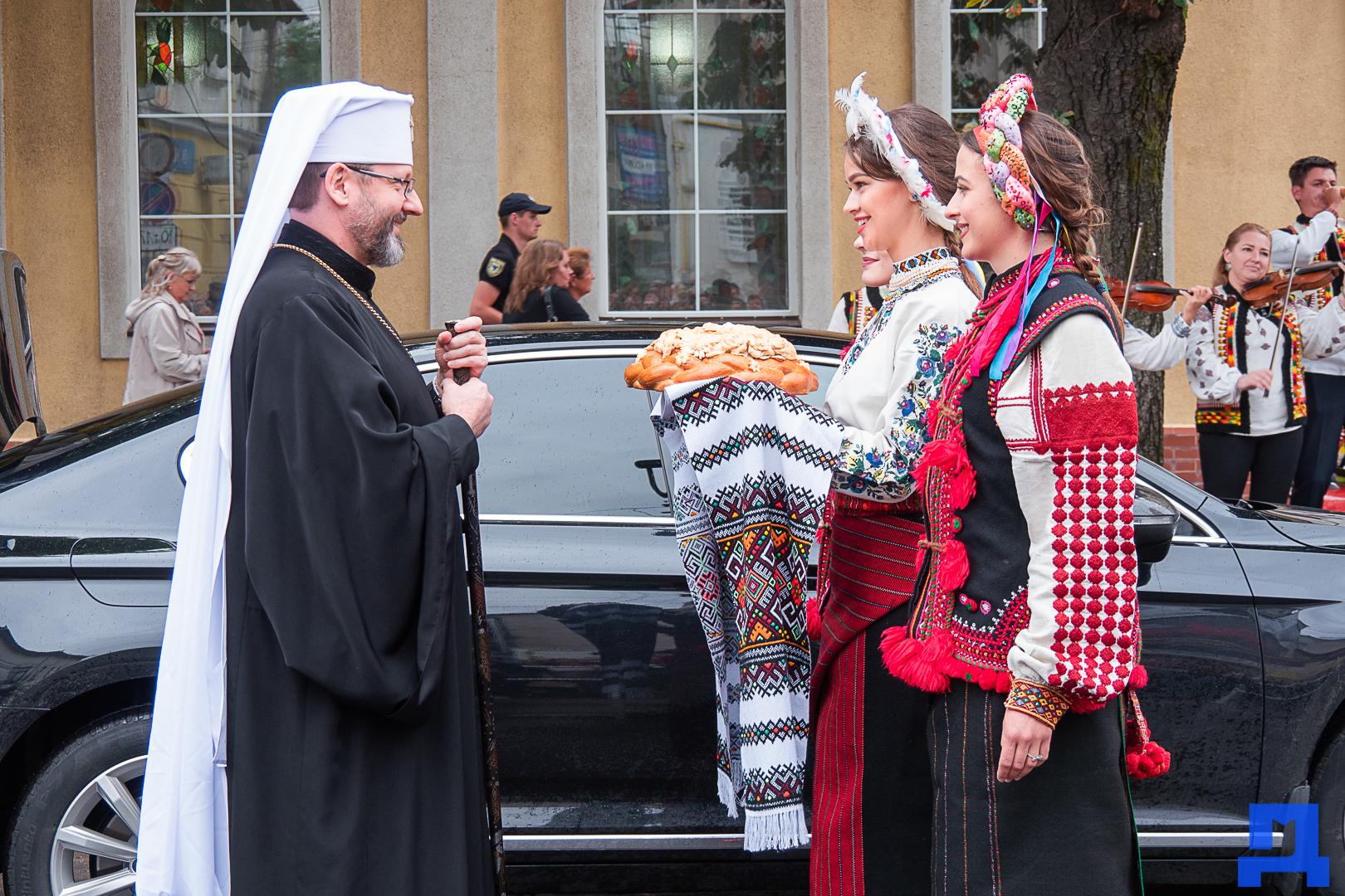 Глава УГКЦ Блаженніший Святослав освятив у Коломиї унікальну дзвіницю 2
