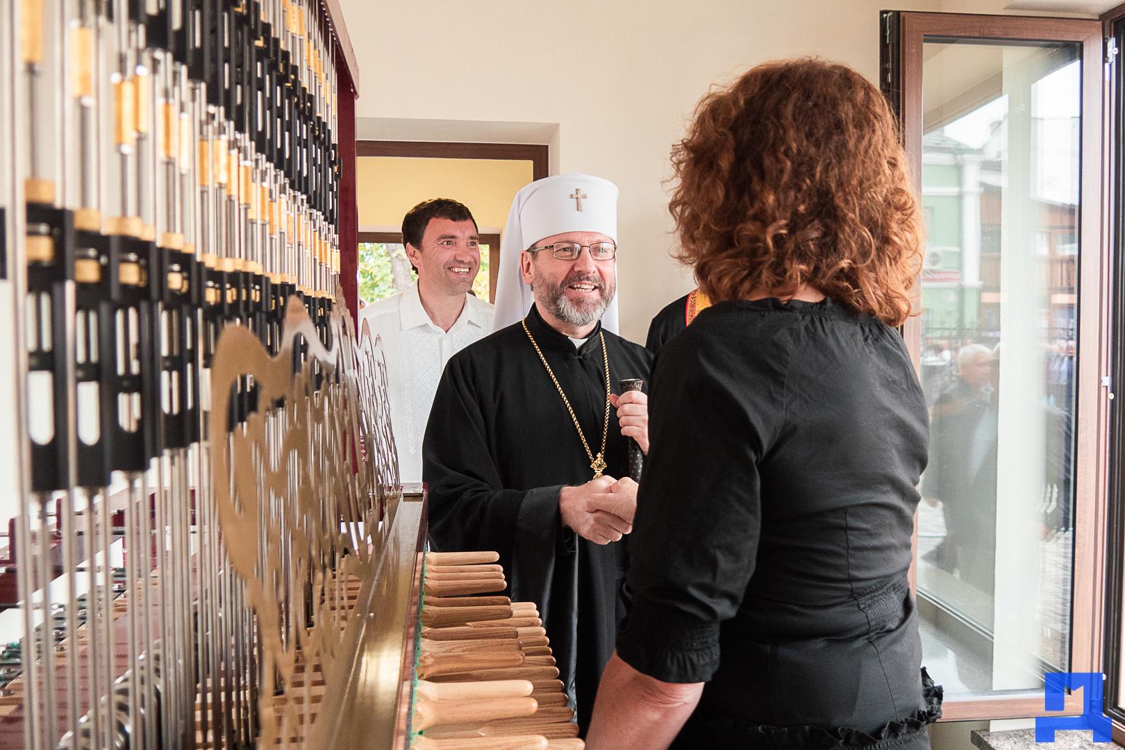 Глава УГКЦ Блаженніший Святослав освятив у Коломиї унікальну дзвіницю 12