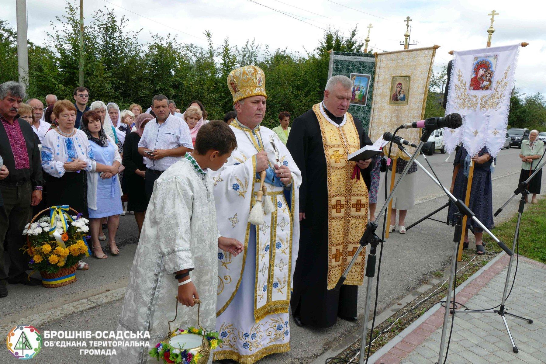 На Прикарпатті відреставрували пам'ятний Хрест жертвам комуністичного режиму 3