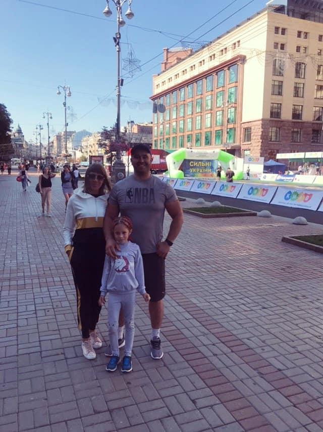 """Сім'я стронгмена з Прикарпаття посіла призове місце на змаганнях """"Найсильніша родина України"""" 2"""