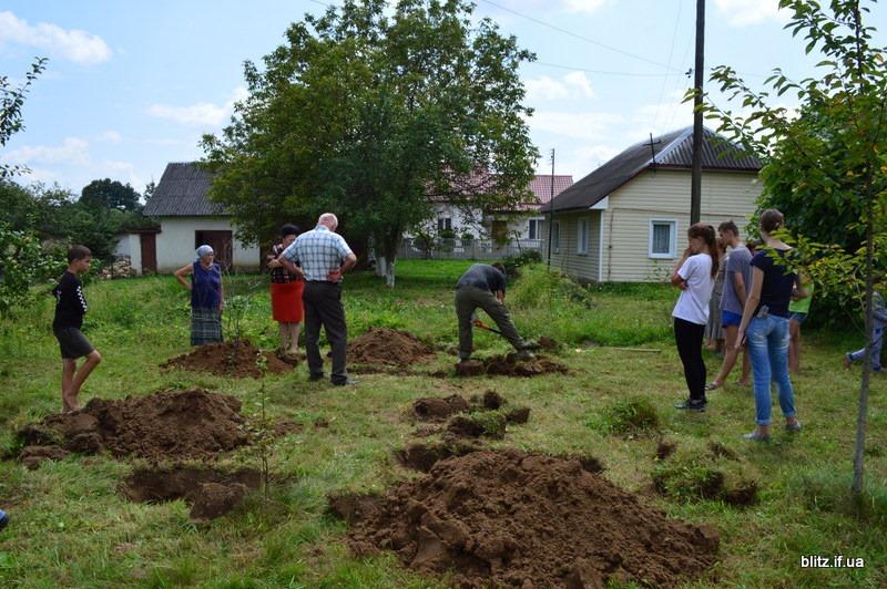 Посеред городу на Долинщині викопали останки вояка часів Другої світової війни 2