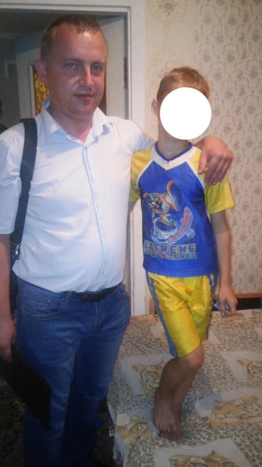 У Франківську небайдужі повідомили в соцслужби про брудного голодного хлопчика, який гуляв дворами 2