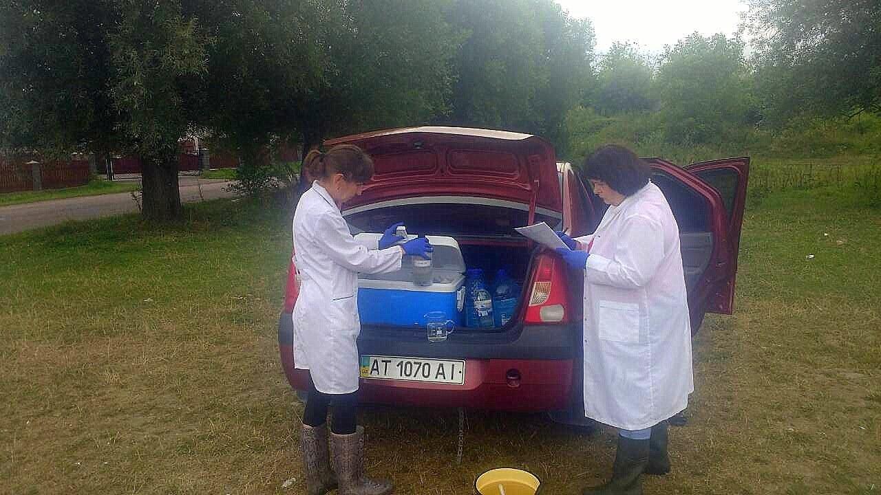 У річках Прикарпаття перевіряють воду на вміст небезпечних речовин 2
