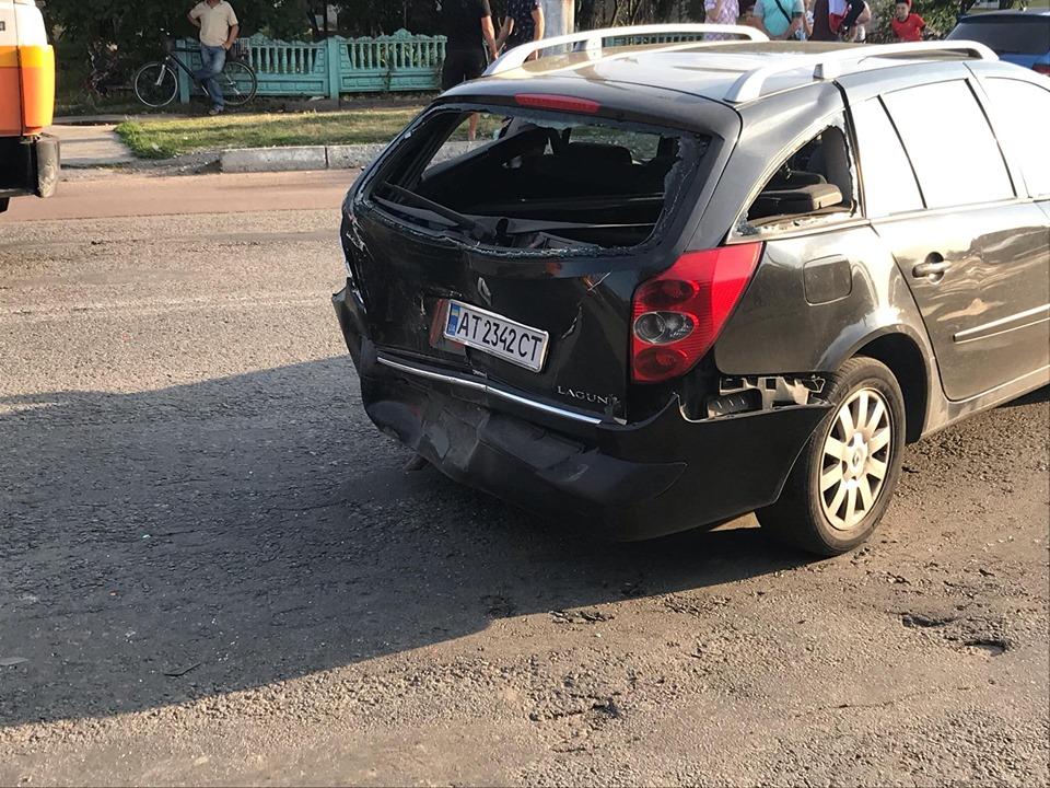 В аварії у Тисмениці зіштовхнулися 4 машини 4